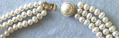 Pearl Necklace. Clasp